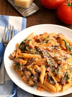 Creamy Tomato Mushroom Pasta (Dinner For Two)