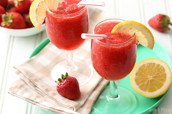 Strawberry Wine Spritzer Slush made with only 5 ingredients