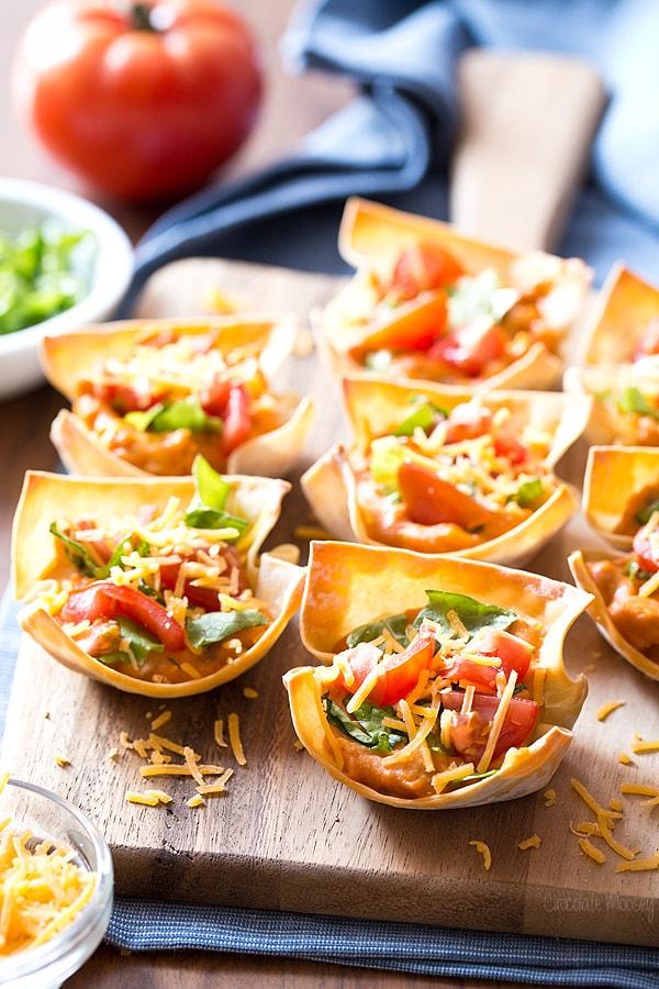 Buffalo Chicken Hummus Taco Cups