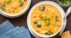 Cheesy Chicken and Potato Soup