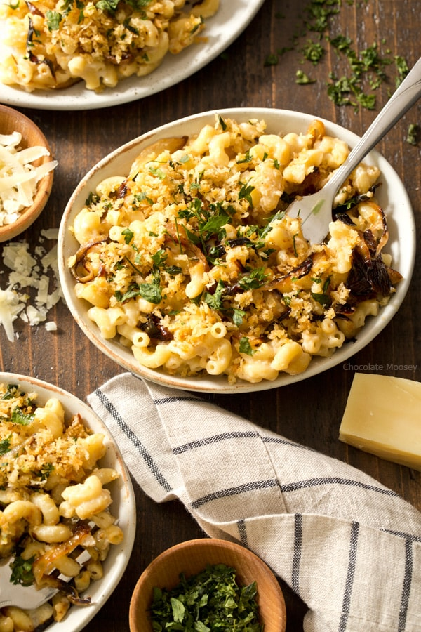 All of your favorite flavors of French onion soup in pasta form - stovetop French Onion Macaroni and Cheese with caramelized onion and gruyere cheese makes 4 servings, enough to have dinner for two.