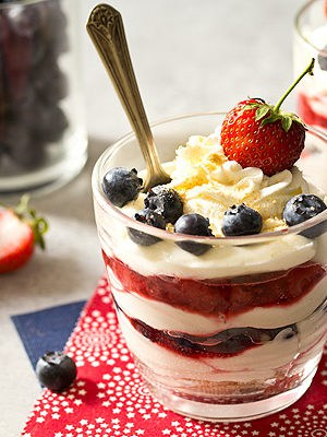 No Bake Mixed Berry Cheesecake Parfaits