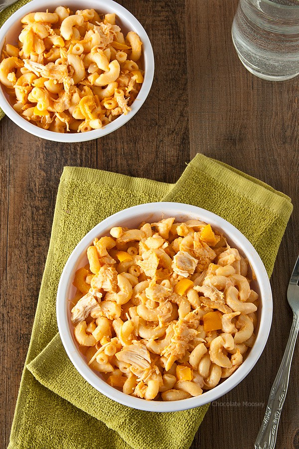 Turn your favorite buffalo chicken dip into dinner with this Stovetop Buffalo Chicken Macaroni and Cheese recipe. Made from scratch with chicken breast, bell pepper, cheddar cheese, hot sauce, and ranch dressing.