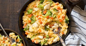 One Pan Cheesy Chicken Broccoli Rice Skillet