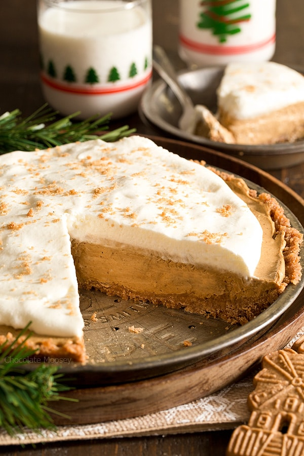 Get ahead of the busy holiday season with this make-ahead No Bake Gingerbread Cream Pie topped with homemade whipped cream.