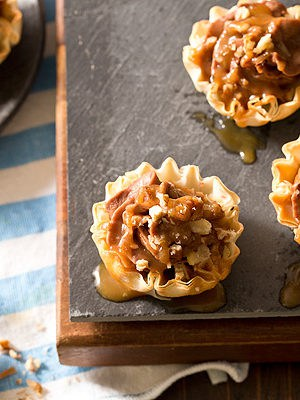 No Bake Turtle Cheesecake Phyllo Cups