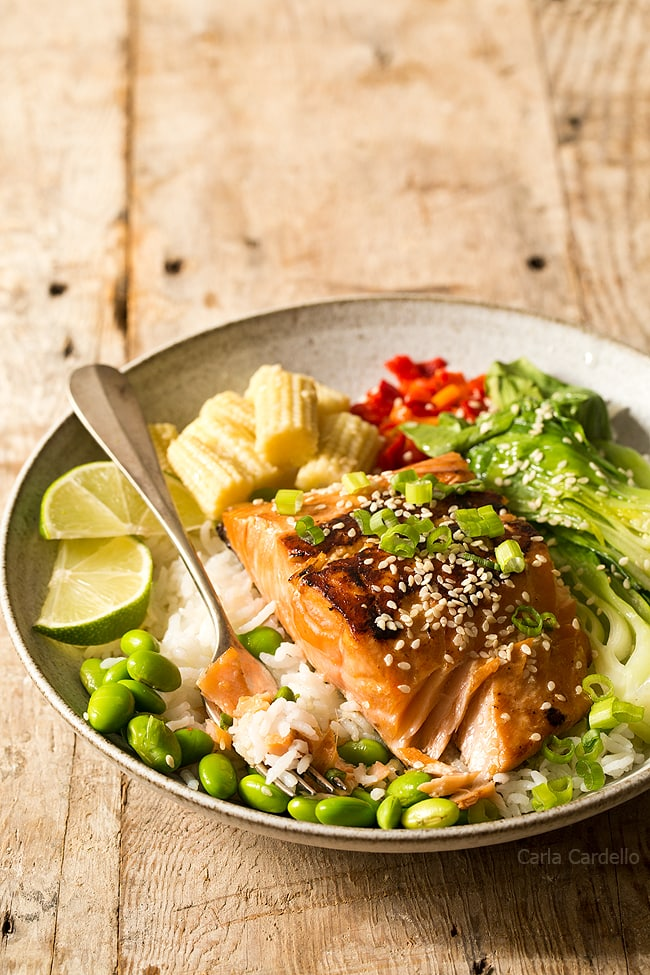 This moist and flaky Asian inspired Ginger Garlic Marinated Salmon is ready in 30 minutes! Serve with rice and fresh vegetables for a complete meal.