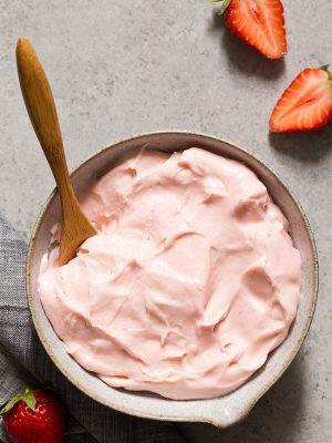 Learn how to make this fresh Strawberry Cream Cheese Frosting with real strawberries. Use it to frost cupcakes and strawberry cake.