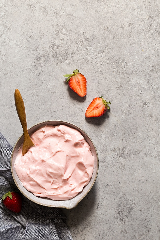 Learn how to make this fresh Small Batch Strawberry Cream Cheese Frosting with real strawberries. Use it to frost cupcakes and strawberry cake.