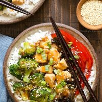 General Tso's Sweet Chili Chicken Rice Bowls