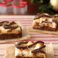 Gingerbread S'mores Cookie Bars