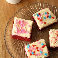 Red Velvet Sugar Cookies Bars
