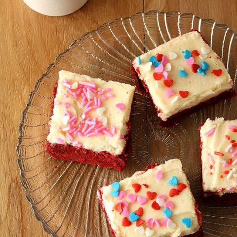 Red Velvet Sugar Cookies Bars