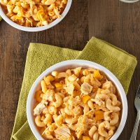 Stovetop Buffalo Chicken Macaroni and Cheese