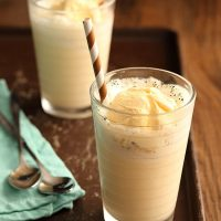 Vanilla Bean Cream Soda Floats