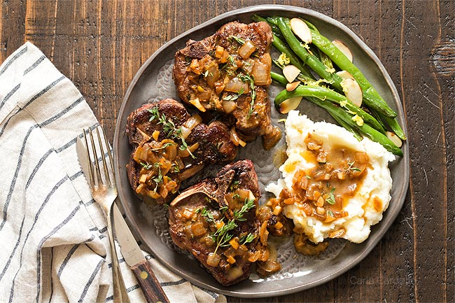 Lamb Chops With Mashed Potatoes