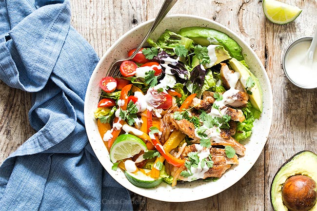Fajita salad in bowl